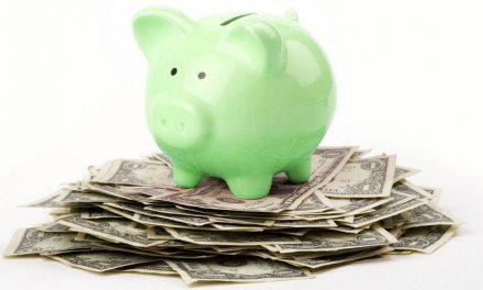 Vi lånar för mycket – men vi sparar mest av alla också