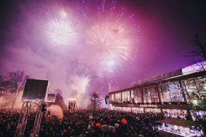 I år blir det ett sprakande nyårsfirande vid Malmö Opera samt på Stortorget där barnens nyår anordnar aktiviteter under dagen.