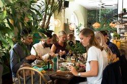Malmö ger utrymme för nya uteserveringar i sommar