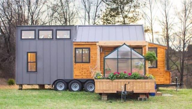 Hittar du ingen bostad – vad sägs om att bo i husbilen?
