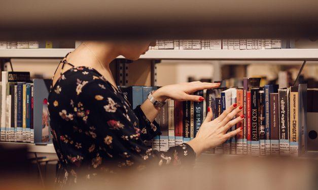 Tryggare men färre böcker när vårt bibliotek renoveras