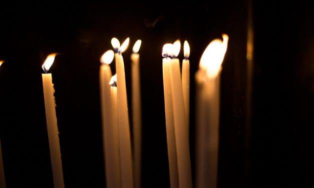 Låt ljusen lysa upp julen – men välj bort paraffinet
