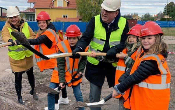 Spadtag för Dalarnas största skola i Gylle