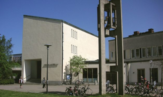 Efterlängtad smörjelse i Centrumkyrkan i Farsta